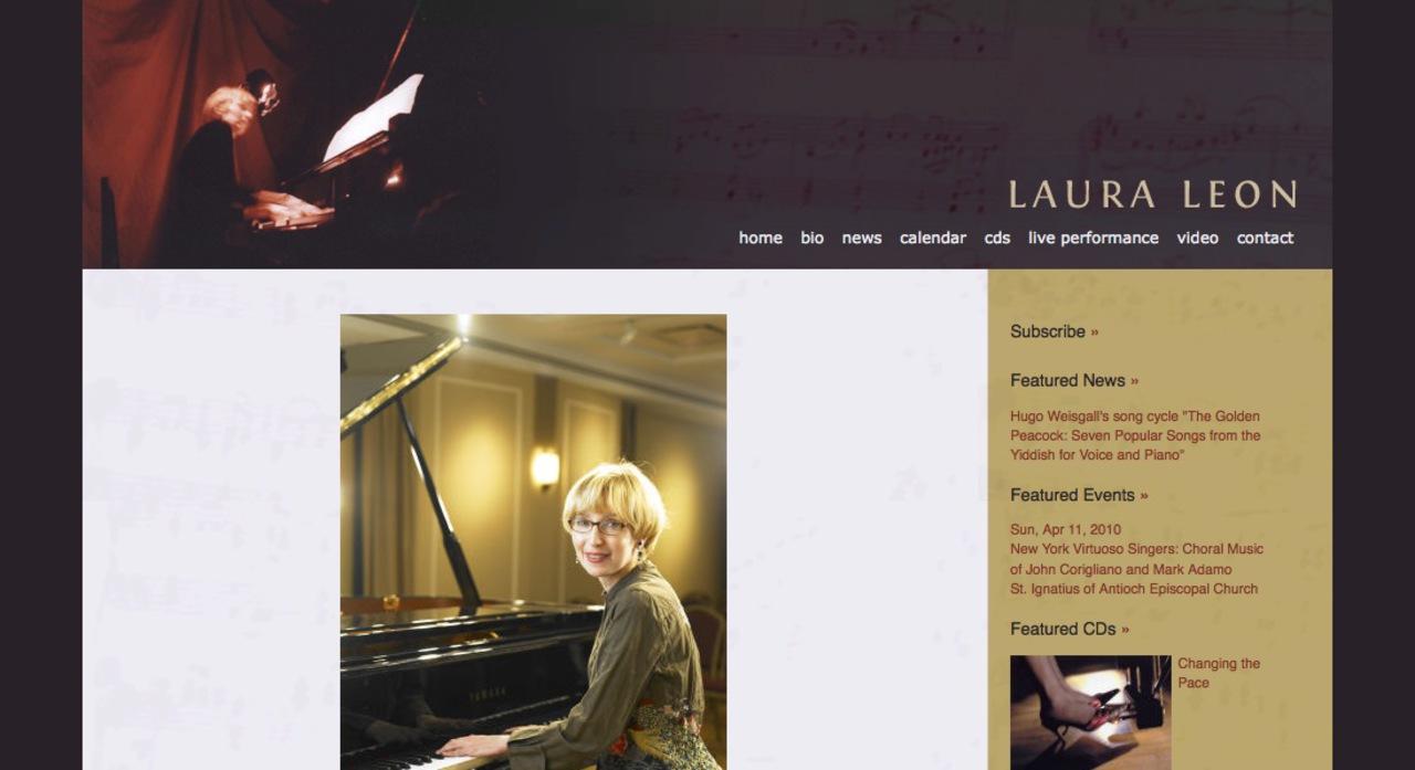 Laura Leon, pianist